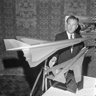 Model of Concorde and Lockhead