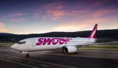 Swoop Airlines 737