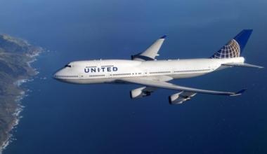United B747