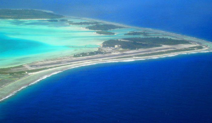 Tahitian bora bora airport