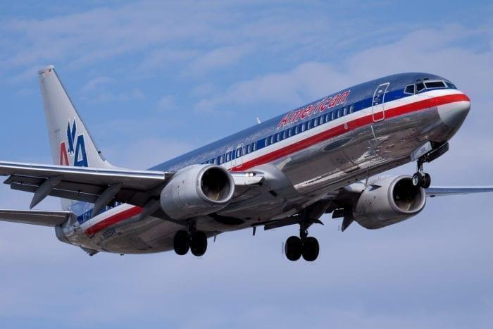 American Airlines 737 in flight