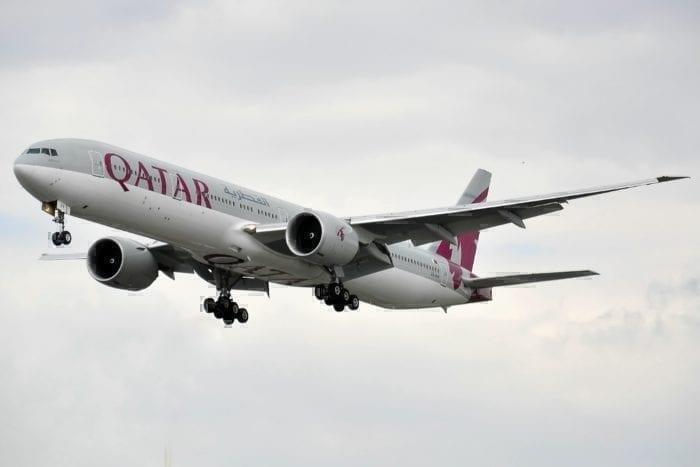 A Qatar Airways 777