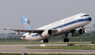 China_Southern_Airlines_Airbus_A321_Gu-1