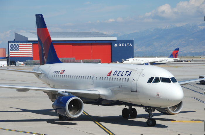 New York Bound Delta Airbus A319 Suffers Extreme Turbulence - 4