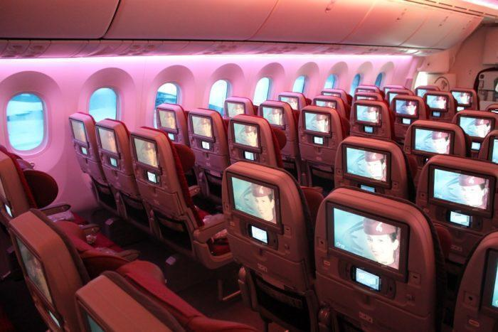qatar airways 787 economy