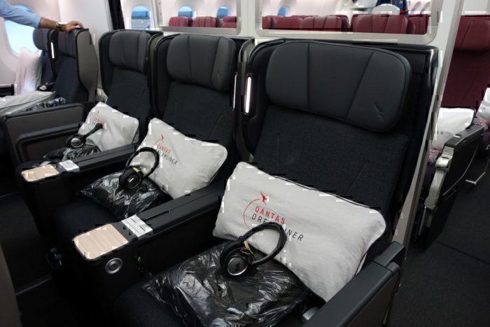 Qantas flights to Chicago