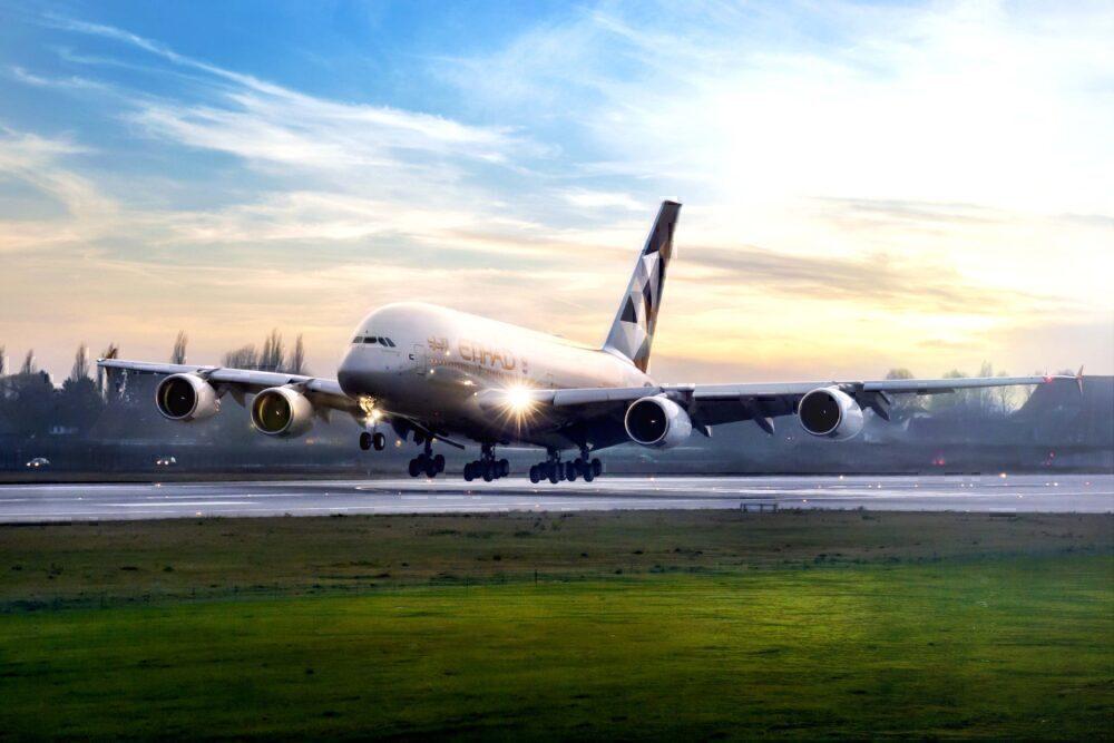 emirates-economy-vs-etihad-economy/
