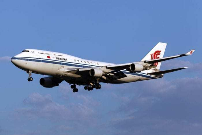 Only Now Has China Banned Pilots Smoking On Commercial Flights