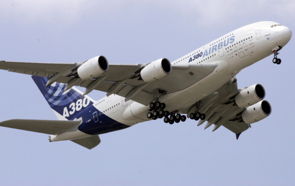 the-boeing-777x-vs-the-airbus-a380-what-plane-wins-getty