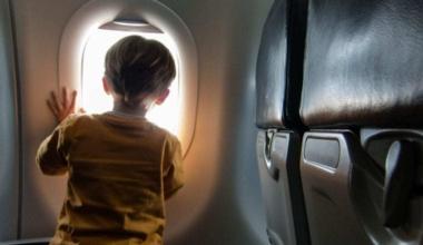 kid-on-plane-KIDSFREE0517