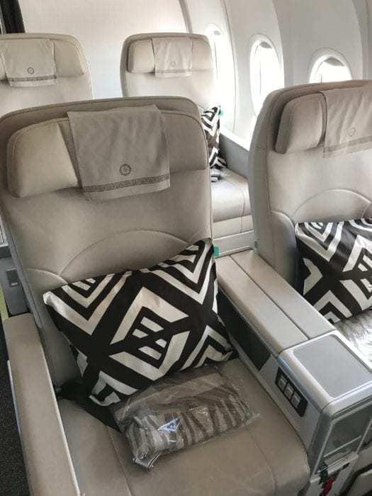 Boeing 737 MAX 8 Review: Fiji Airways Business Class Nadi to Samoa