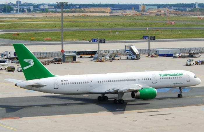 Turkmenistan Airlines 757