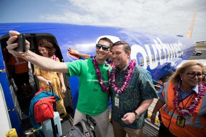 Southwest Airlines President greets passengers in Hawaii