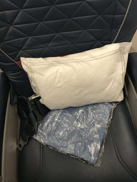 Unmemorable Morning: Delta Connection Operated by Compass Airlines from San Antonio to Los Angeles