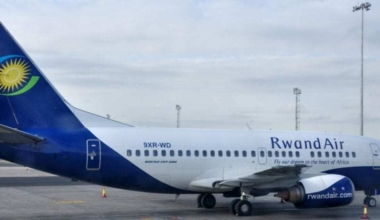 RwandAir Boeing 737