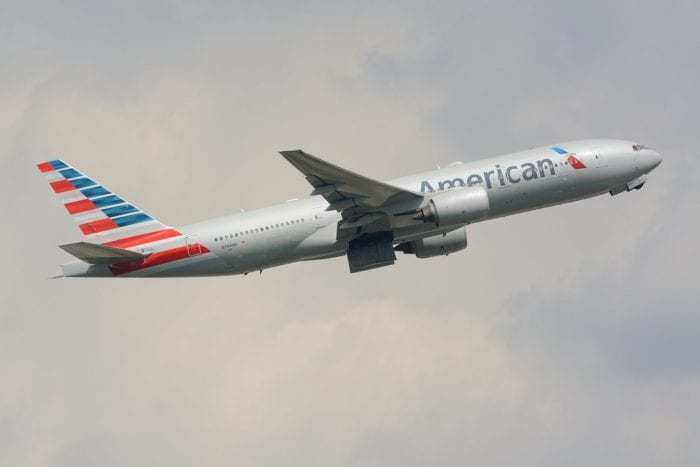 An American Airlines 777