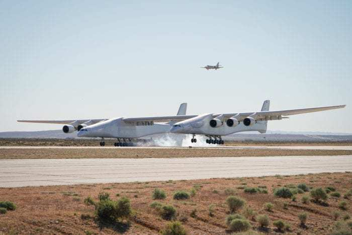Stratolaunch aircraft landing
