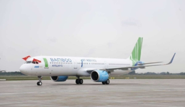 Tokimvuong [CC BY-SA 4.0 (https-::creativecommons.org:licenses:by-sa:4.0)] Bamboo_Airlines'_first_A321_Neo