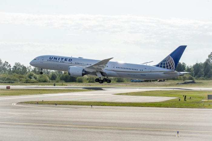 United Airlines 787 during takeoff