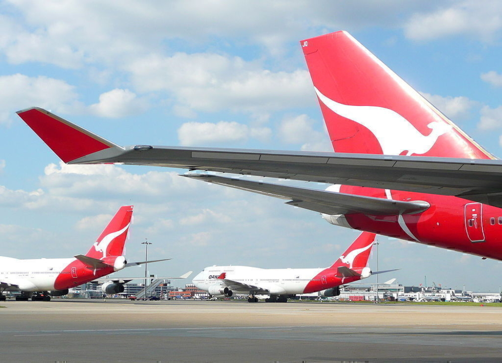 qantas-747-heathrow