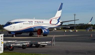 Air_Peace,_5N-BQQ,_Boeing_737-524_(29582379591)