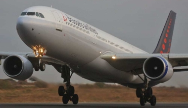 brussels-airlines-plane-taking-off