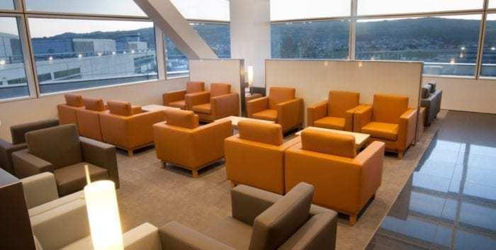 Cathay lounge at SFO