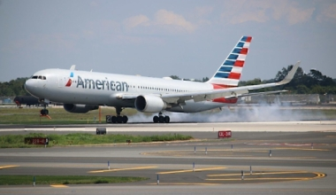 1280px-American_Airlines_-_767_300_(Quintin_Soloviev_-_QFS_AVIATION_)