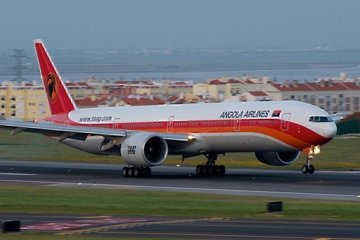 TAAG Angola 777
