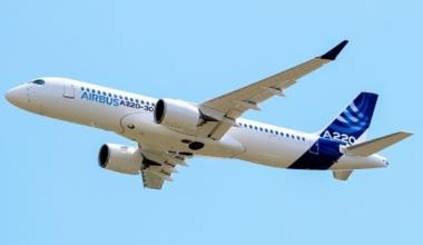 Airbus_A220-300