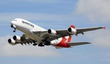 qantas employee bonus scheme