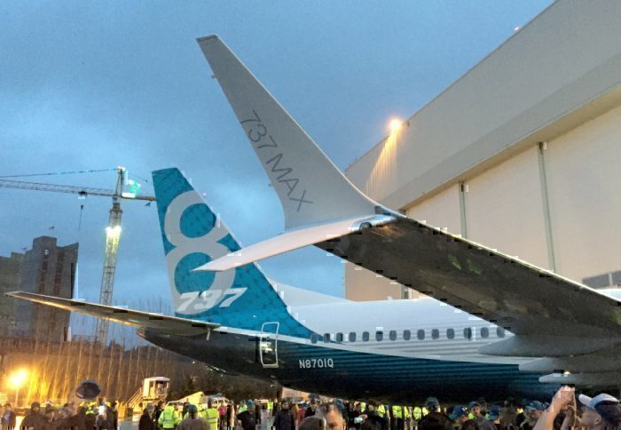 737MAX8