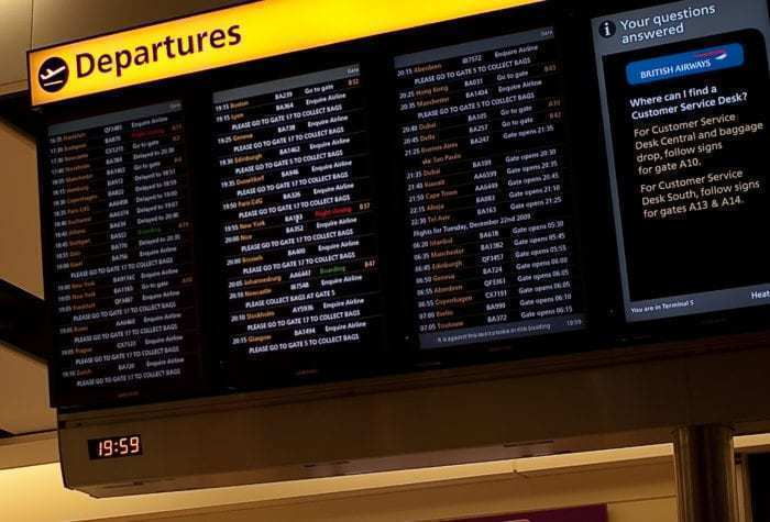 LHR departure board