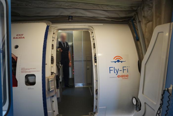 Boarding JetBlue E195