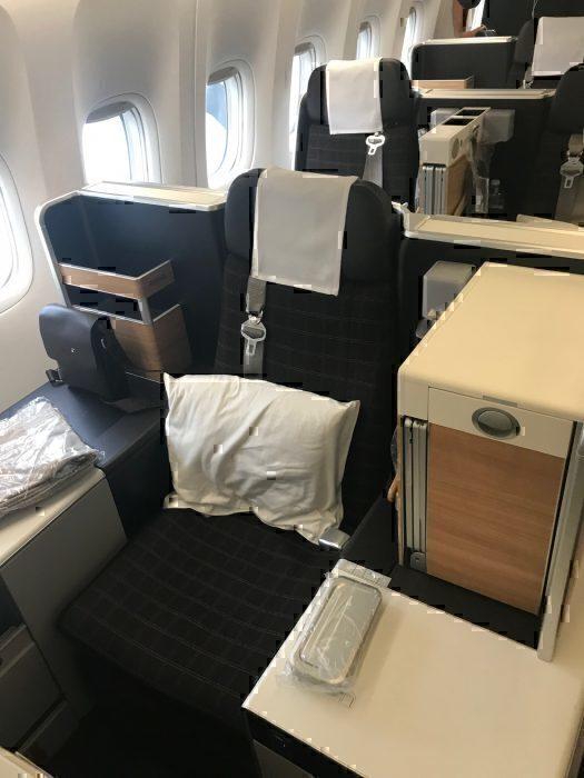 Swiss 777 J Throne seat