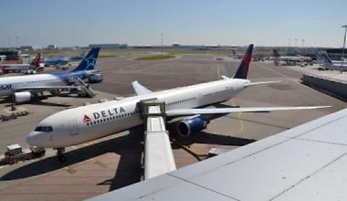 N838MH_Boeing_767-432ER_Delta_Airlines_(26537344856)