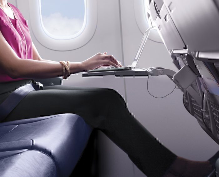 Lap-top-american-airlines