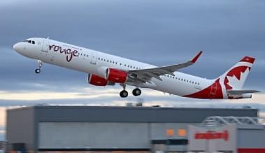 passenger-left-on-plane-after crew-gets-off