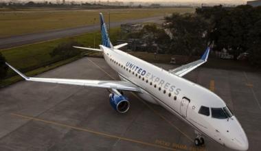 United-Express-Embraer-E175