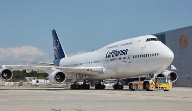 Lufthansa B747-400 on airport apron