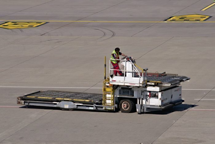 grond-crew-airport