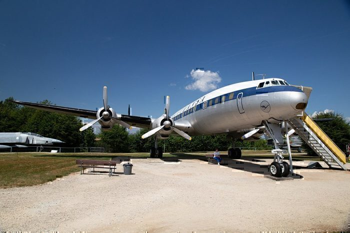 Lockheed_Super_Constellation_Lufthansa_D-ALIN