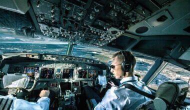 1280px-Boeing_737_cockpit_during_flight