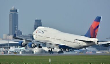 1280px-Delta_Air_Lines_Boeing_747-400_N661US_NRT_(21235407528)