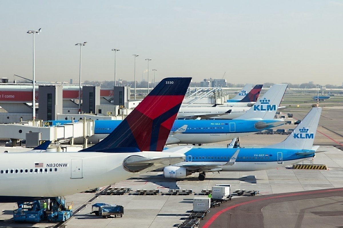 Delta and KLM Tails at AMS