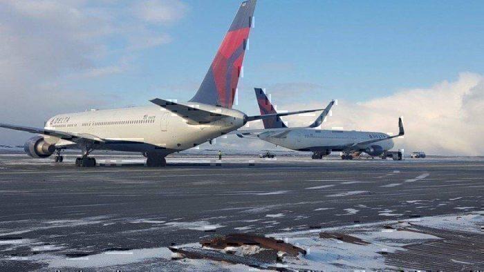 Delta 767s