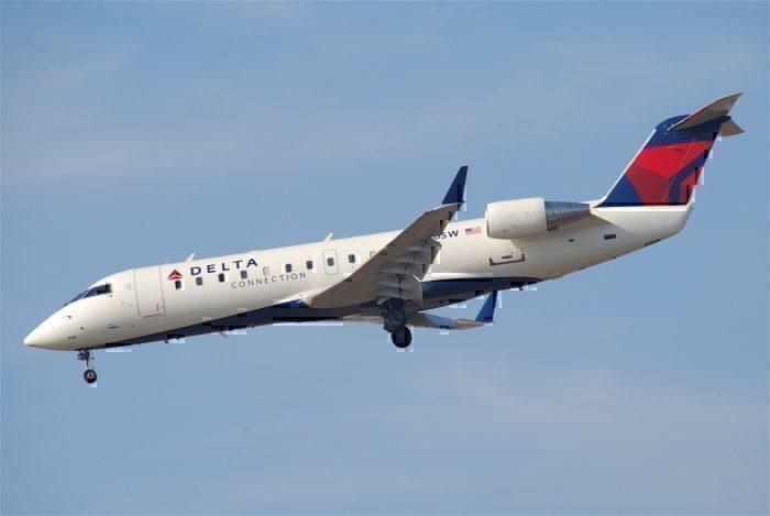 Delta Connection CRJ200