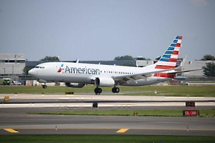 800px-American_Airlines_-_737_800_(Quintin_Soloviev_-_QFS_AVIATION)