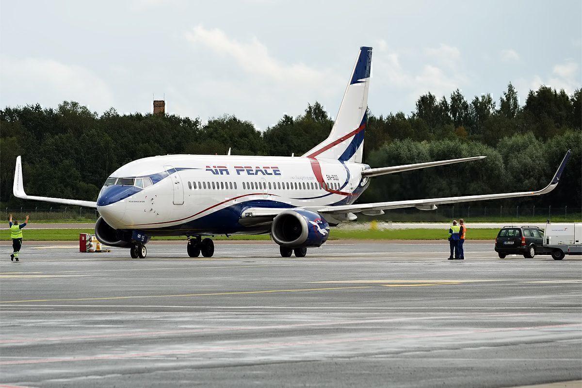 Air Peace Boeing 737 Loses Both Nose Wheels In Nigeria - Simple Flying