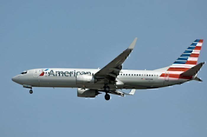 AA737-800